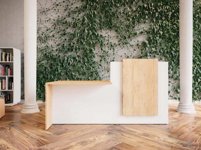 Mur végétal derrière une banque d'accueil par Global Concept