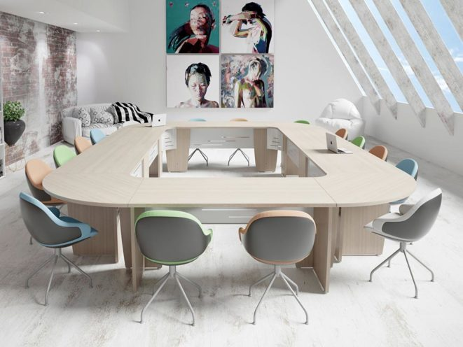 table rectangulaire pour optimiser l'espace de la salle de réunion par global Concept