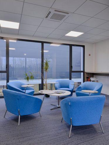 Nos solutions d'assises pour l'espace détente : les canapés et fauteuils collectifs ou individuels par Global Concept