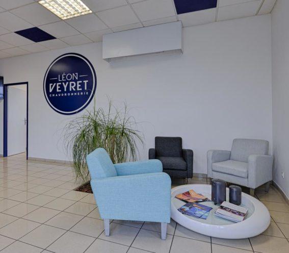 Une salle d'attente aménagée non loin de l'espace accueil par les équipes de Global Concept