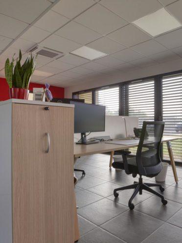 Le mobilier de bureau en tant que séparation d'espace par Global Concept